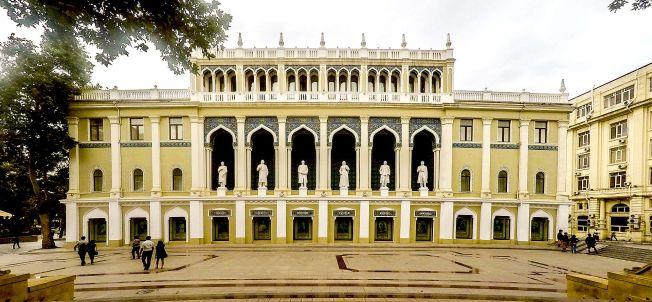 Nizami_Museum_of_Azerbaijan_Literature,_Baku,_2015